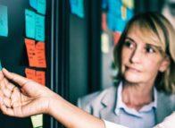 Kans op burn-out medewerker groter door prestatiedrang leidinggevende